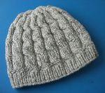 Женская шапка аранами