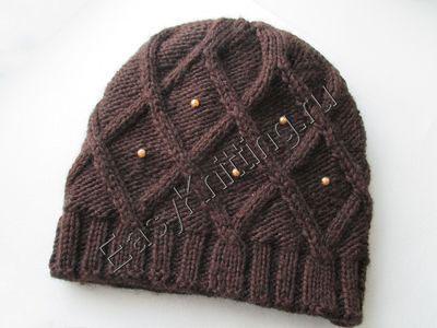 Женская шапка связанная спицами